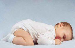 كيف يستفيد الرضيع من النوم على بطنه؟...