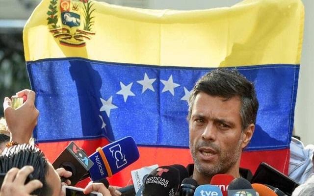 هروب معارض كبير من فنزويلا