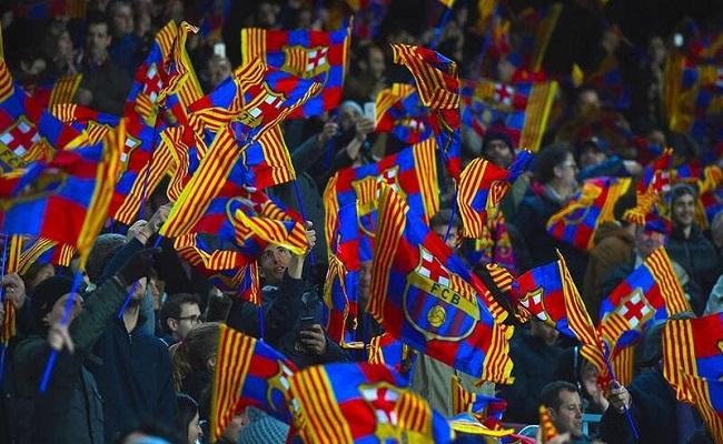 برشلونة يطلب عودة جمهوره...