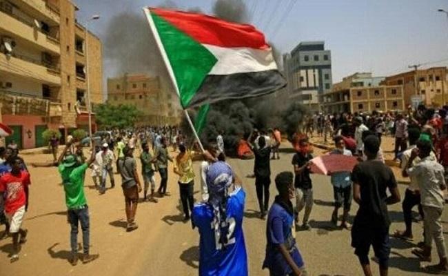 بالسودان قتلى في اشتباكات بين الأمن ومتظاهرين