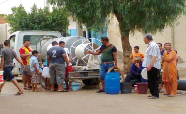 SMS يحذر الجزائريين من استعمال مياه الصهاريج  للشرب...