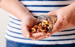 هذه الفوائد التي توفرها لكِ الفواكه المجففة في الحمل!...