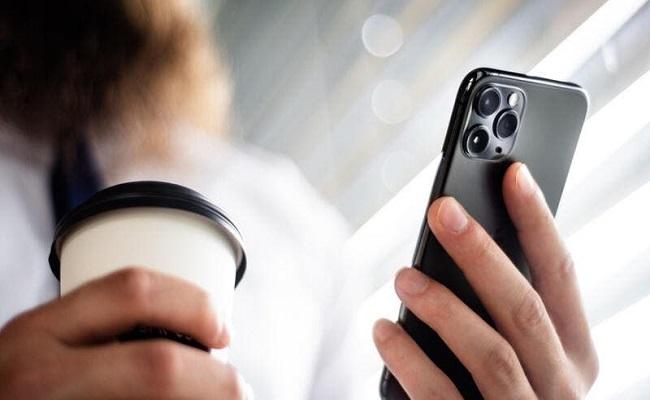 آيفون 11 بصدارة أكثر 10 هواتف مبيعًا في العالم...