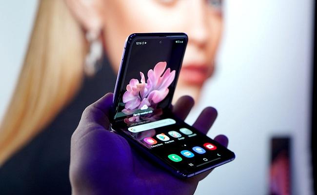 قريبا هاتف Galaxy Z Flip Lite القابل للطي...