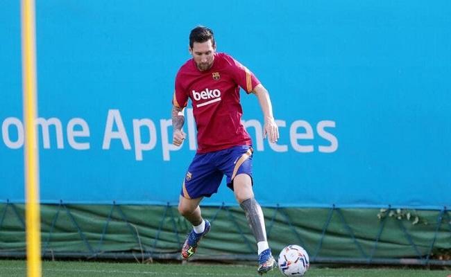 برشلونة لا يستطيع تحمل راتب ميسي...