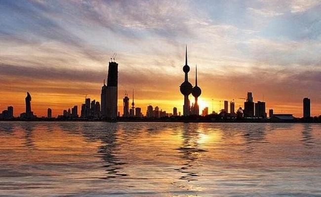 الكويت تواصل المساعي لحل الأزمة الخليجية