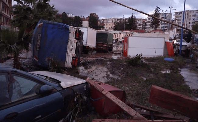 الأمطار تعري عن صفقات فساد بالمليارات في البنية التحتية بالجزائر
