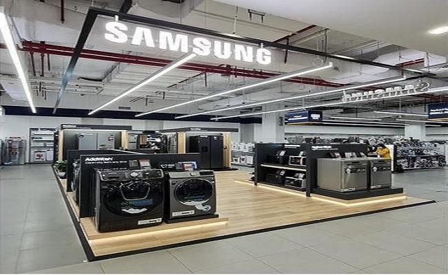 سامسونج تفتتح أكبر منصة عرض لمنتجاتها   في دبي...