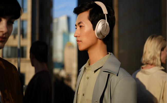 سماعات HUAWEI FreeBuds Studio توفر تقنية إلغاء الضجيج...