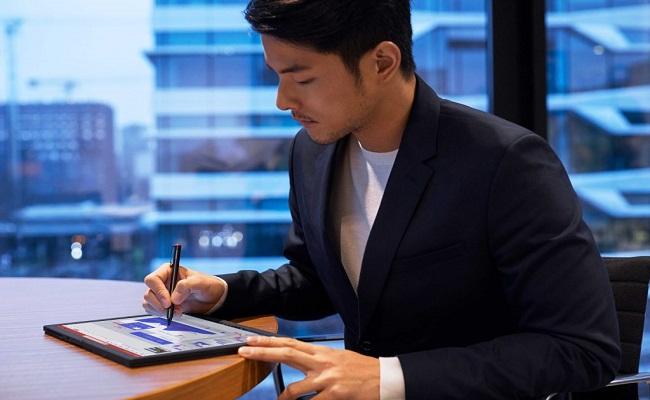 لينوفو ThinkPad X1 Fold متاح الآن في الإمارات...