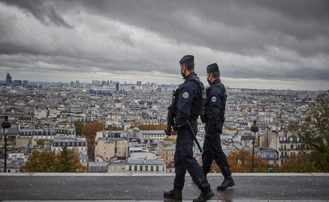 دفن جثمان قاتل مدرّس الفرنسي في الشيشان