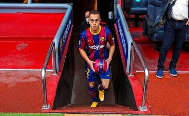 نجم برشلونة ينافس على جائزة أفضل لاعب أميركي...