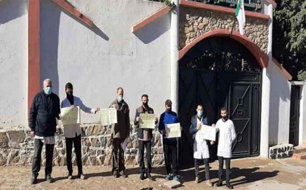 الإضراب المفتوح لأساتذة متوسطة العرباوي حبيب في غليزان يدخل أسبوعه الأول