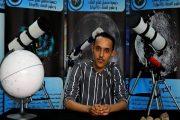 الجزائر تطالب وكالة ناسا بتبني شاب جزائري اكتشف نجم مزدوج وهو يتغوط تحت شجرة