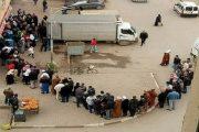 الجزائريون في المواقع سنحرر فلسطين وفي الواقع عبيد للجنرالات ويقفون ساعات في طوابير الحليب والسميد