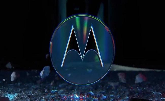 Motorola تستعرض تقنيتها الخاصة للشحن اللاسلكي...