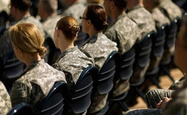 الجيش الأميركي يسمح للمجندات بوضع الماكياج