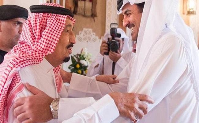 أمير قطر يعزي ملك السعودية