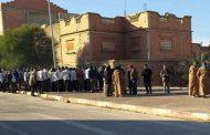 احتجاج عمال تم تسريحهم من مصنع لتركيب السيارات بغليزان