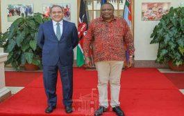 الرئيس الكيني يستقبل وزير الخارجية بوقدوم بنيروبي