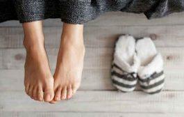 ما هي الحالات الصحيّة التي يمكن أن تسبّب لكم برودة القدمين؟...