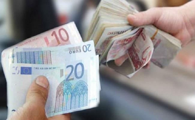 الجزائر تغرق والجنرالات يطبعون النقود ويهربون العملة الصعبة