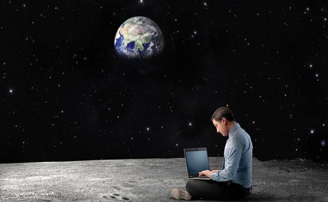 ناسا ستنقل أجهزة علمية إلى القمر...