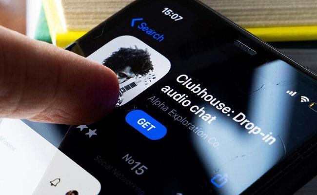 تطبيق Clubhouse الأميركي للدردشة يلقى رواجًا في الصين...