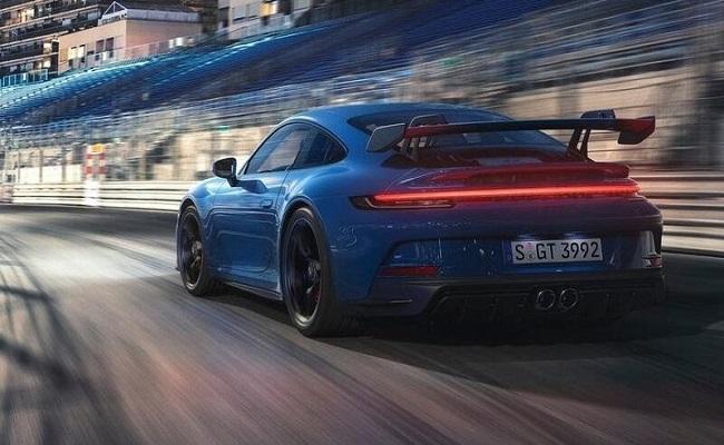 بورش تطلق رسمياً 911 GT3 الجديدة...