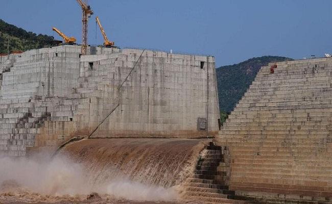 إثيوبيا تواصل بناء السد ولا تبالي بأحد...