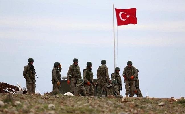 الجيش التركي يقصف مواقع للأكراد