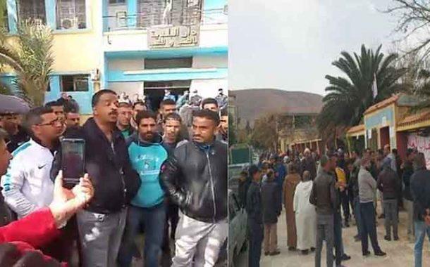 احتجاج مواطنين من أجل الافراج عن قائمة السكنات الاجتماعية في قصر الشلالة بتيارات