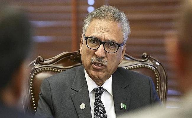 إصابة رئيس باكستان بالكورونا...