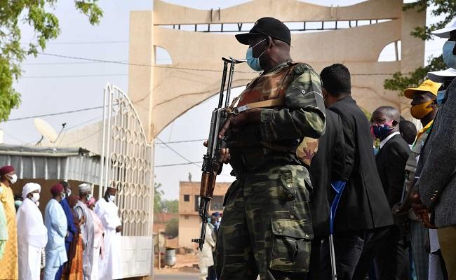 في قمة الغدر والخيانة نظام الجنرالات بعد أن دعم الإنقلابيين في النيجر اليوم يبعث جراد لحضور حفل تنصيب الرئيس !!!