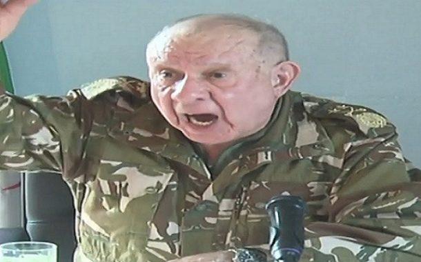الجنرال شنقريحة سيحيل الضباط كبار على التقاعد لتجنب أي انقلاب