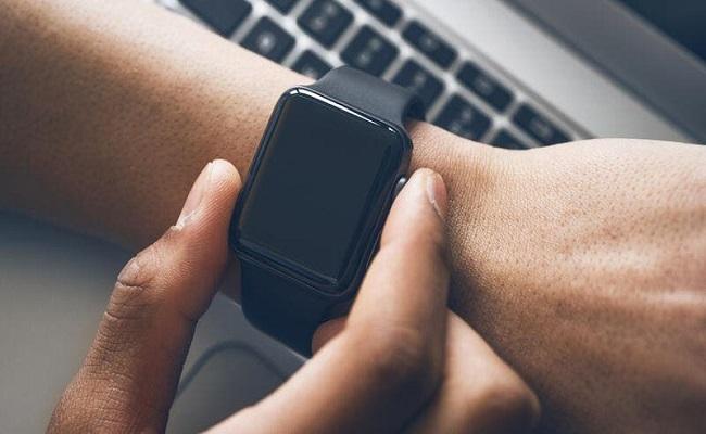 آبل تسيطر على سوق الساعات الذكية...