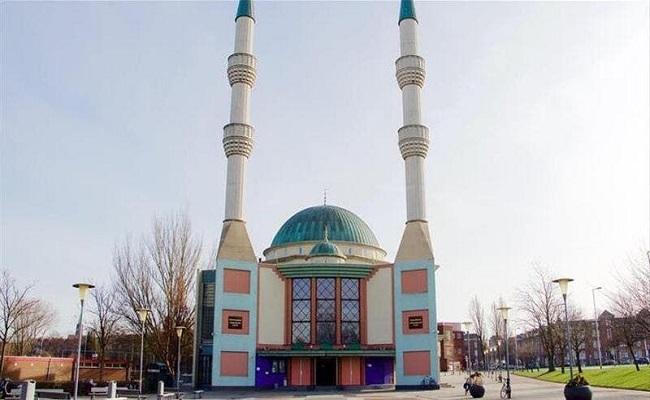 إضرام النار في مسجد بهولندا