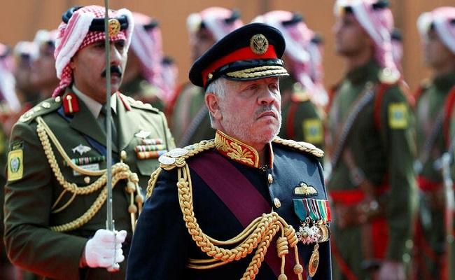 ملوك العرب يطمأنون على ملك الأردن
