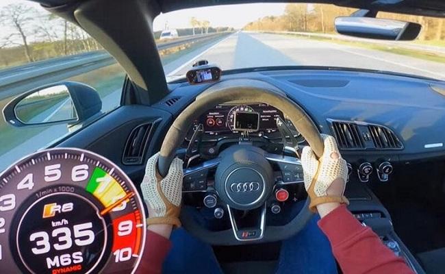 أودي R8 تصل سرعة 335 كم/س على أوتوبان...