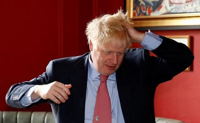 أخيرا رئيس الوزراء البريطاني يعتذر للمنقبات