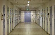 وفاة أكثر من 2700 سجين بكورونا