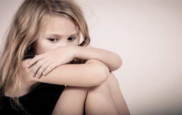 ما الذي يمكن ان يزيد من القلق عند طفلكم؟