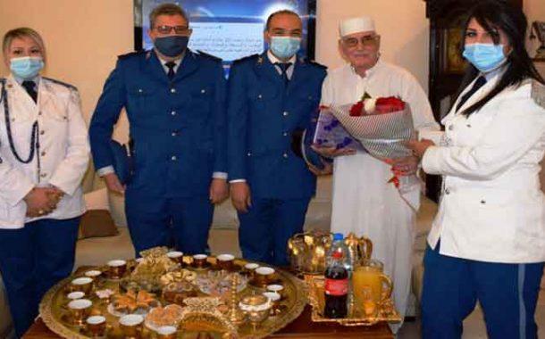 أمن قسنطينة ينظم زيارات معايدة للموظفين العاملين بالميدان و للمتقاعدين