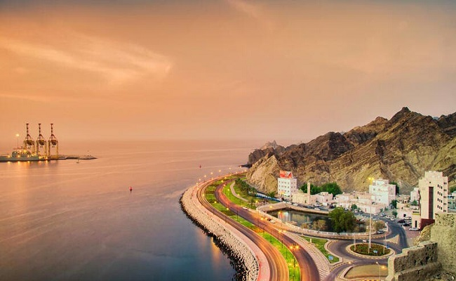 سلطنة عمان تبحث عن فرص الاستثمار الرقمي