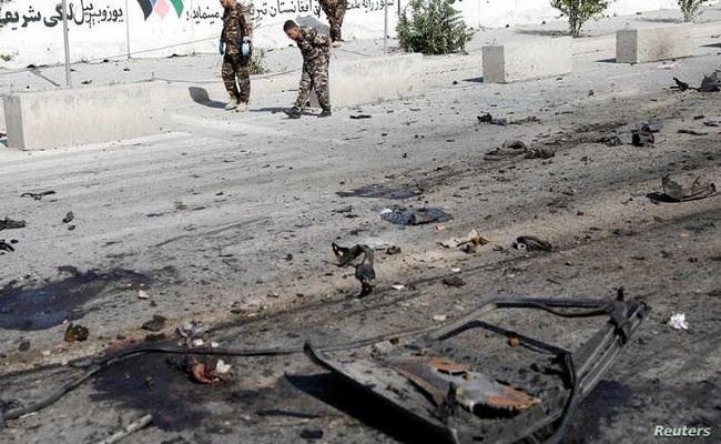في أفغانستان سبعة قتلى بتفجيرين استهدفا حافلتي ركاب...