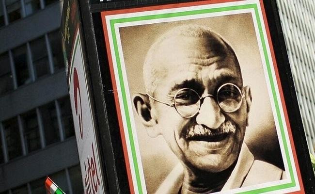إدانة حفيدة للمهاتما غاندي بقضية نصب