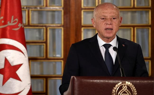رئيس تونس يعزل مدير المخابرات من منصبه