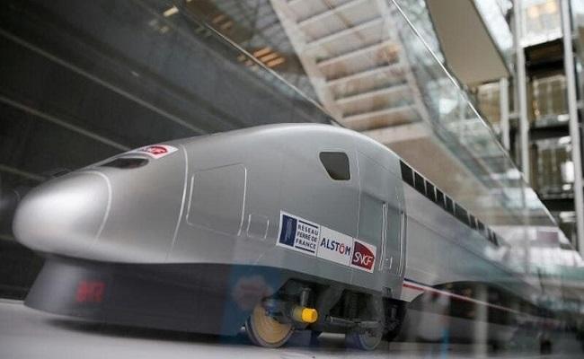 مصر تطلق أول مشروع قطار سريع...