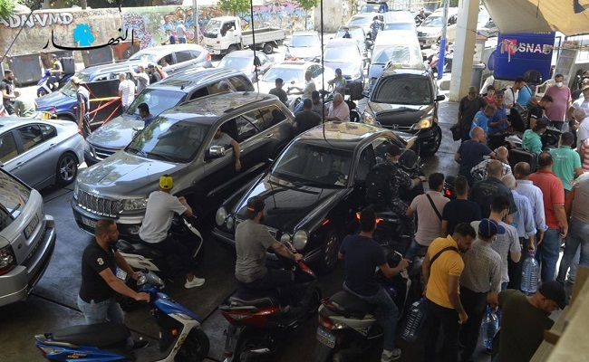 قتيلان في اشتباك على البنزين بلبنان