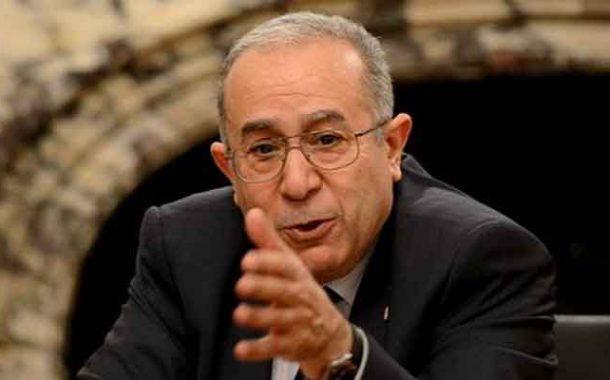 لعمامرة يؤكد استعداد أطباء جزائريين في الخارج للمساهمة في القضاء على الوباء